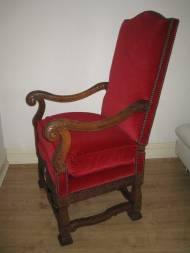 Throne4