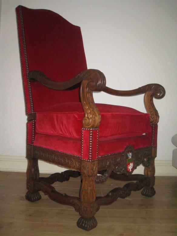 Throne6